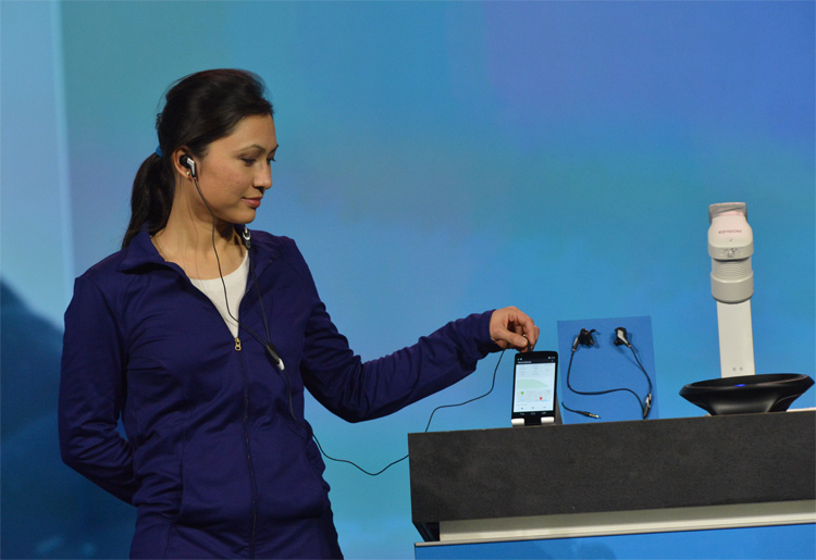 intel smart earbuds 2014 technology