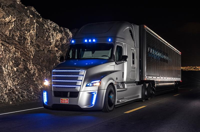 Freightliner Trucks For Sale >> The first licenced autonomous driving truck in the US